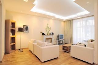 стильная 3-комнатная квартира в аренду Невский пр. 88 С-Петербург