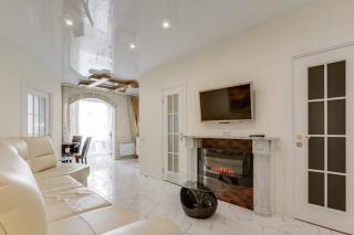 классическая 3-комнатная квартира в аренду в новом доме С-Петербург