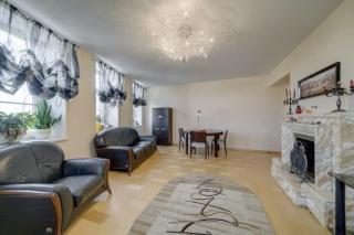 аренда стильной 3-комнатной квартиры в новом доме с паркингом Крестовский остров С-Петербург