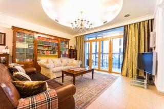 стильная 4-комнатная квартира в аренду в элитном доме с паркингом С-Петербург