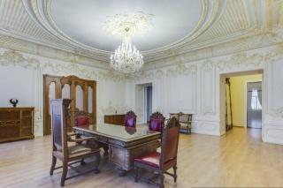 классическая 6-комнатная квартира в аренду в центре С-Петербург