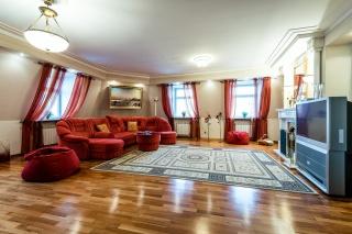 видовая 2-комнатная квартира в аренду в историческом центре С-Петербург
