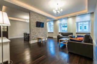 стильная 4-комнатная квартира в аренду в центре С-Петербурга