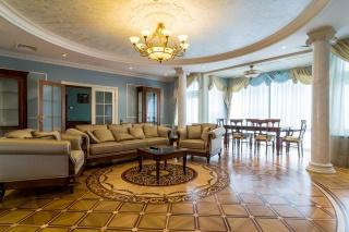 продажа дизайнерской 4-комнатной квартиры на Невском пр. 137 Сан
