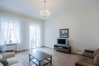 арендовать 3-комнатную квартиру на улице Марата Санкт-Петербург