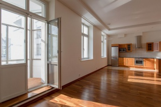 арендовать 4-комнатную квартиру на Крестовском острове С-Петербурга