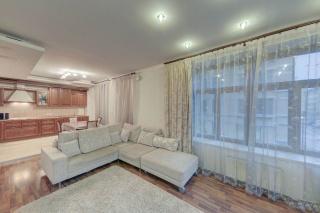 аренда просторной светлой 3-комнатной квартиры в элитном доме с паркингом С-Петербург
