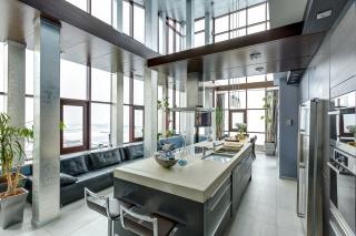 сниму дизайнерскую 6-комнатную квартиру в элитном доме С-Петербург
