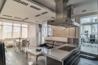 арендовать 3-комнатную квартиру с террасой на Приморском проспекте С-Петербург