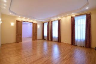 купить 5-комнатную квартиру в центре Санкт-Петербурга