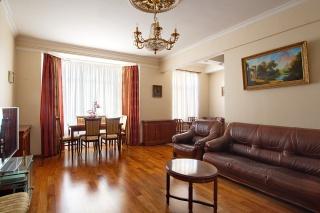 аренда стильной 3-комнатной квартиры в самом центре С-Петербург