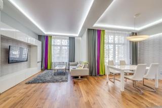 снять просторную 3-комнатную квартиру новый дом в центре С-Петербург