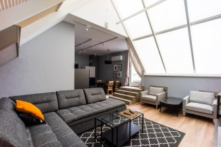 lease stylish modern 3-room apartment with a balcony St-Petersburg