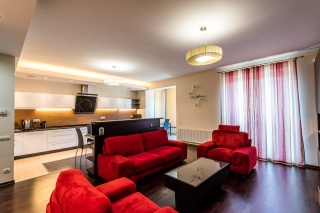 rent modern style 3-room apartment in the center St-Petersburg
