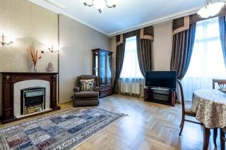 5-room apartment for sale at 6, Ochakovskaya Street St-Petersburg