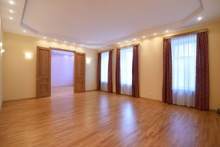 buy 5-room apartment in the centre St-Petersburg