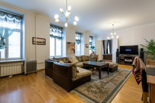 luxury 4-room apartment for sale in the center St-Petersburg