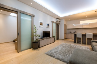 lease 3-room apartment with parking St-Petersburg